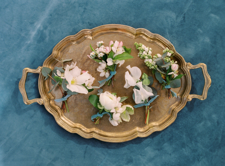Boutonnieres With Velvet Ribbon