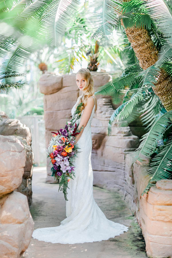 Bridal look with draping flower bouquet