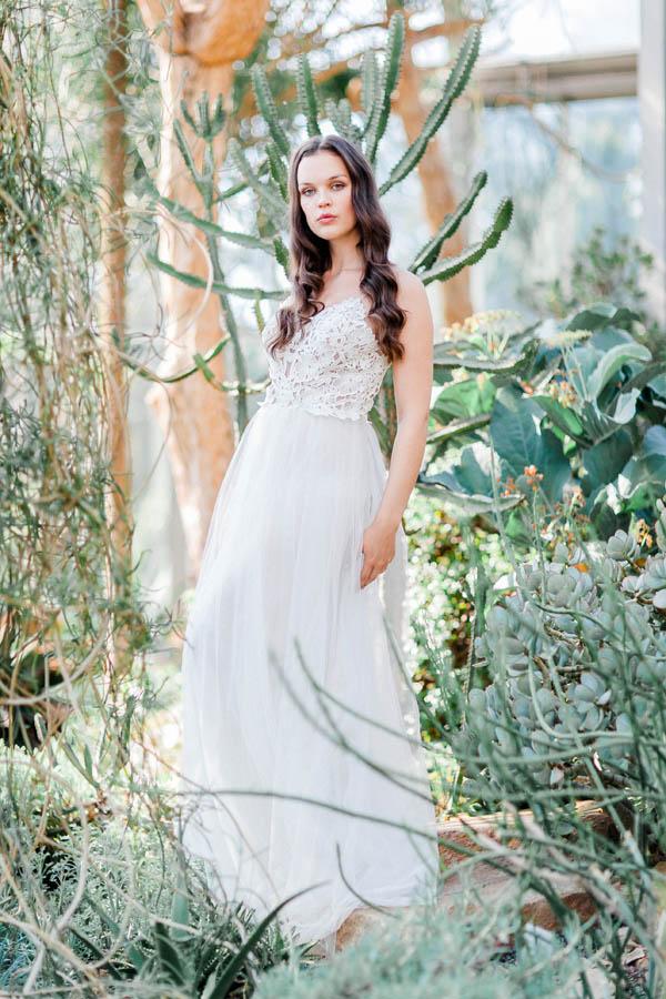 Flowy bridal dress with macramé