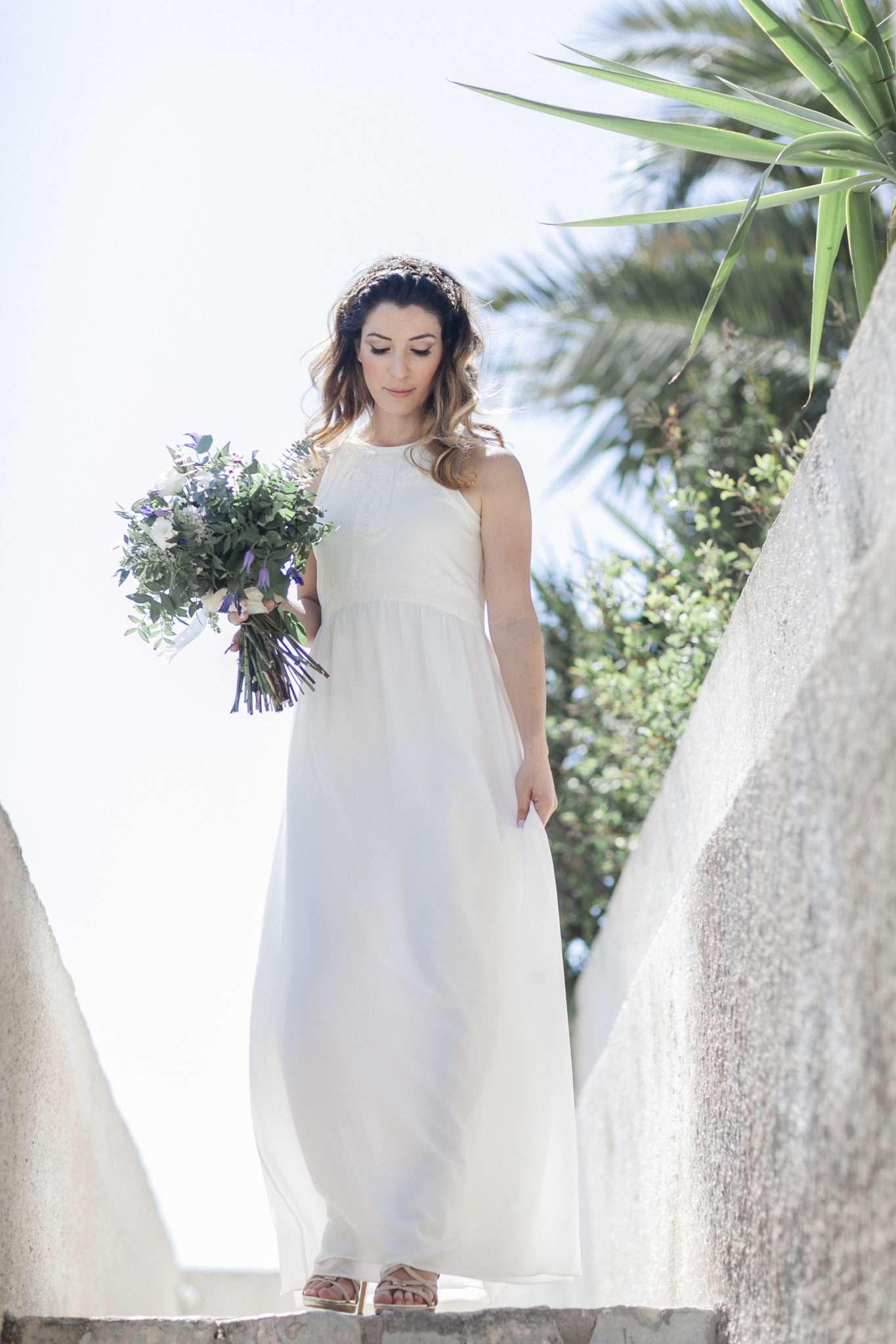 bride with bridal bouquet, white wedding dress, simple wedding dress, minimalist wedding