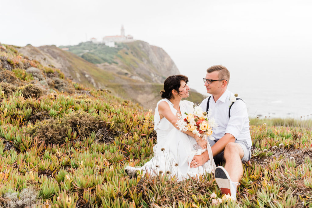 beach wedding, praia d'ursa, wedding couple