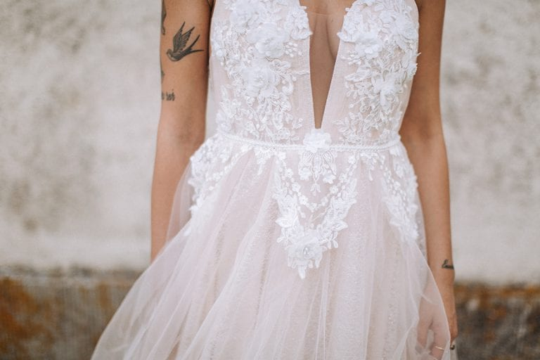 tuscany bride wedding dress details
