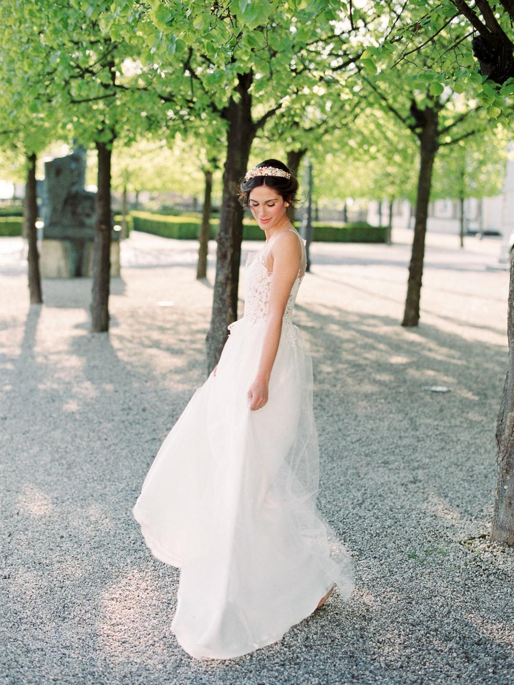 bride getting married in germany wedding castle in germany wedding venue germany dusty blue color palette velvet themed wedding