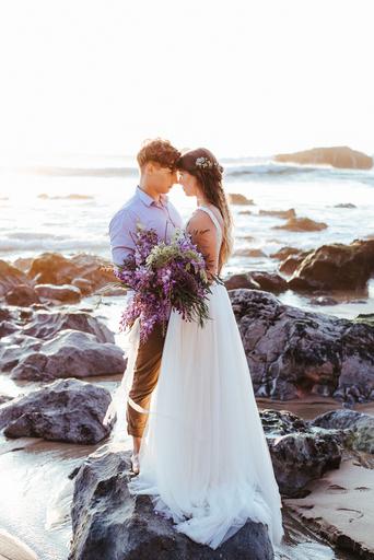 wedding couple, beach wedding, beach elopement, elopement in portugal