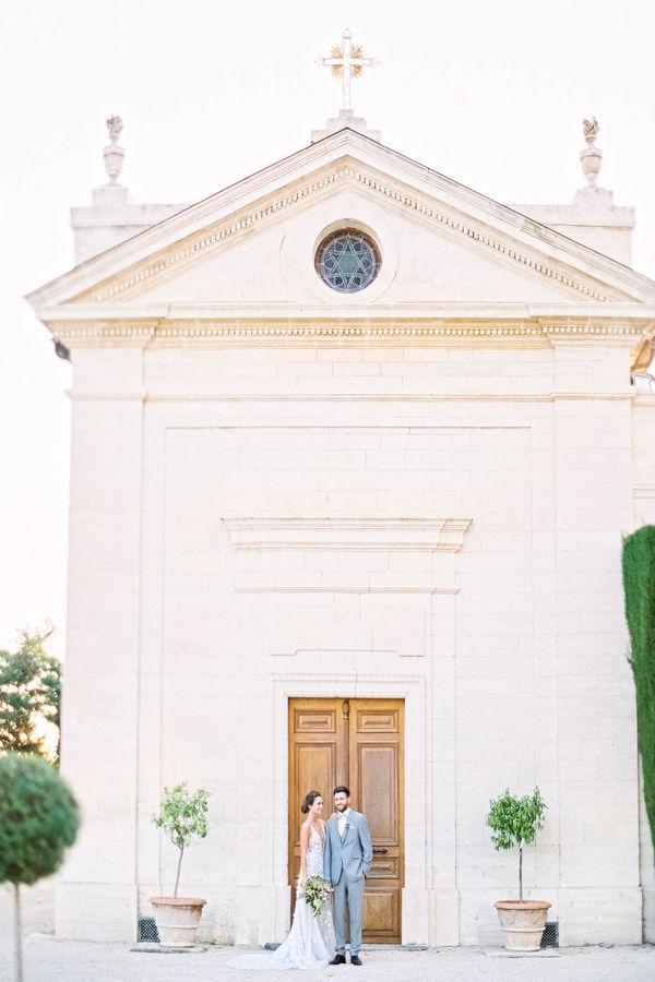bride and groom, wedding ceremony, destination wedding france, provence wedding, wedding venue france, wedding venue