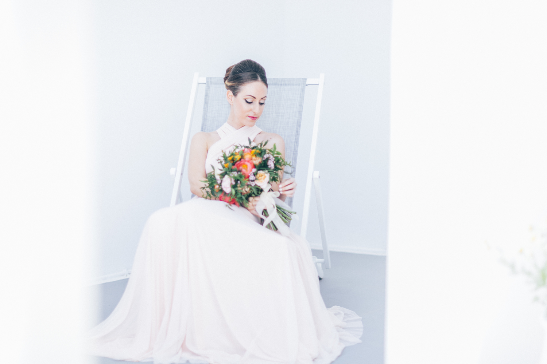 bride, wedding bouquet, wedding flowers