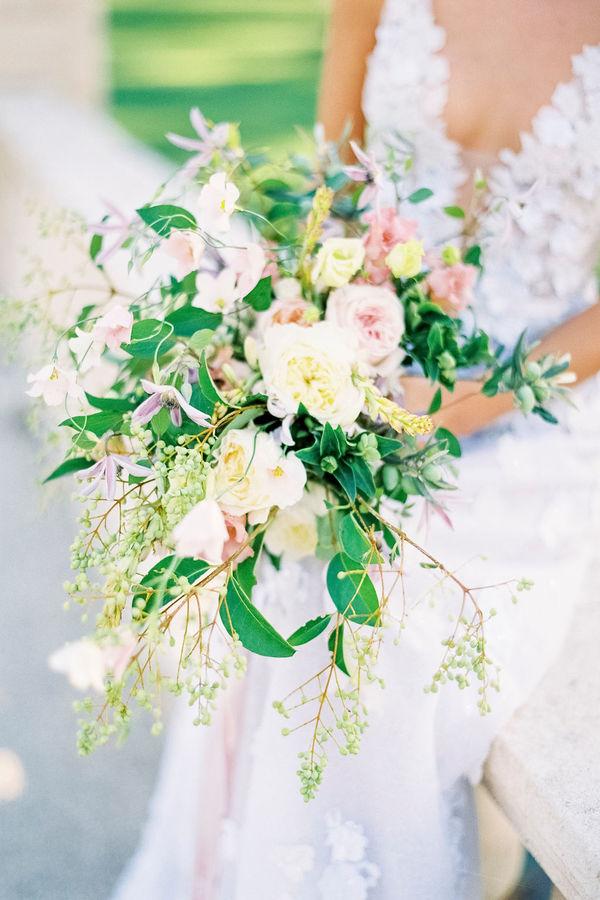 bridal bouquet, wedding flowers, wedding bouquet, chateau de tourreau