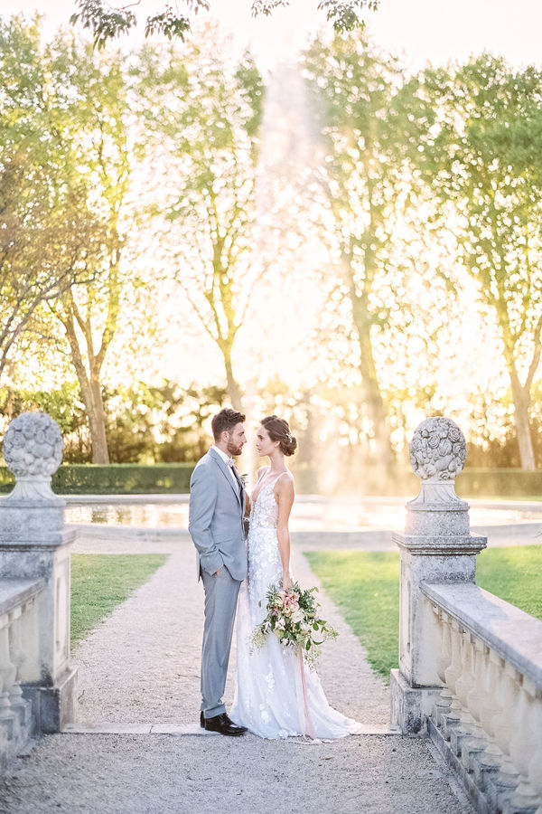 bride and groom, chateau wedding, chateau de tourreau,