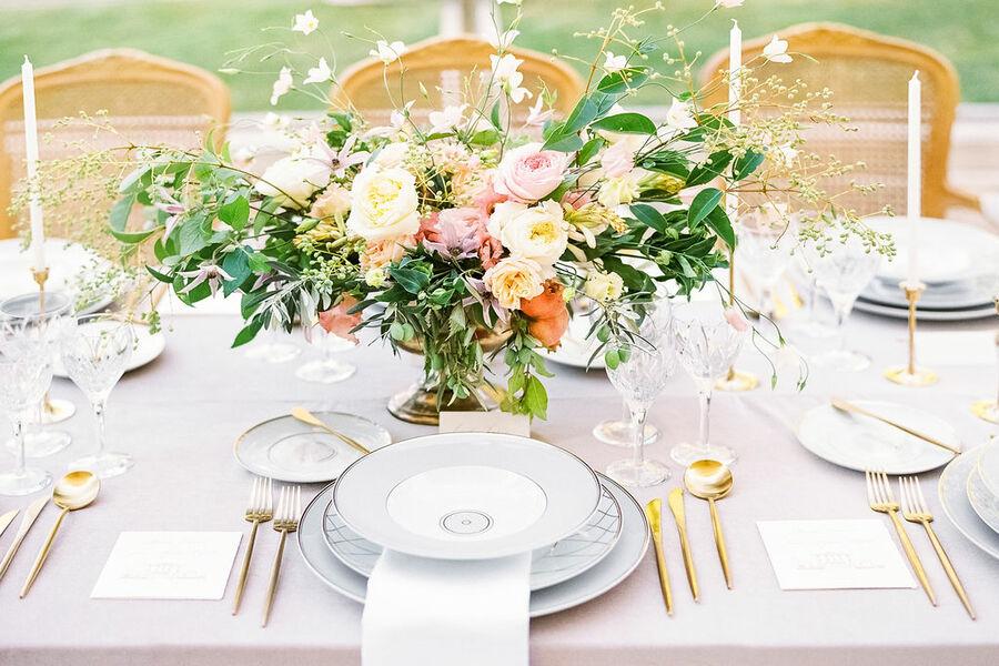 wedding reception, reception dinner, wedding table, wedding venue in provence, chateau de tourreau wedding