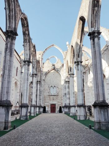 ruins in portugal, ruin wedding, romantic wedding venue