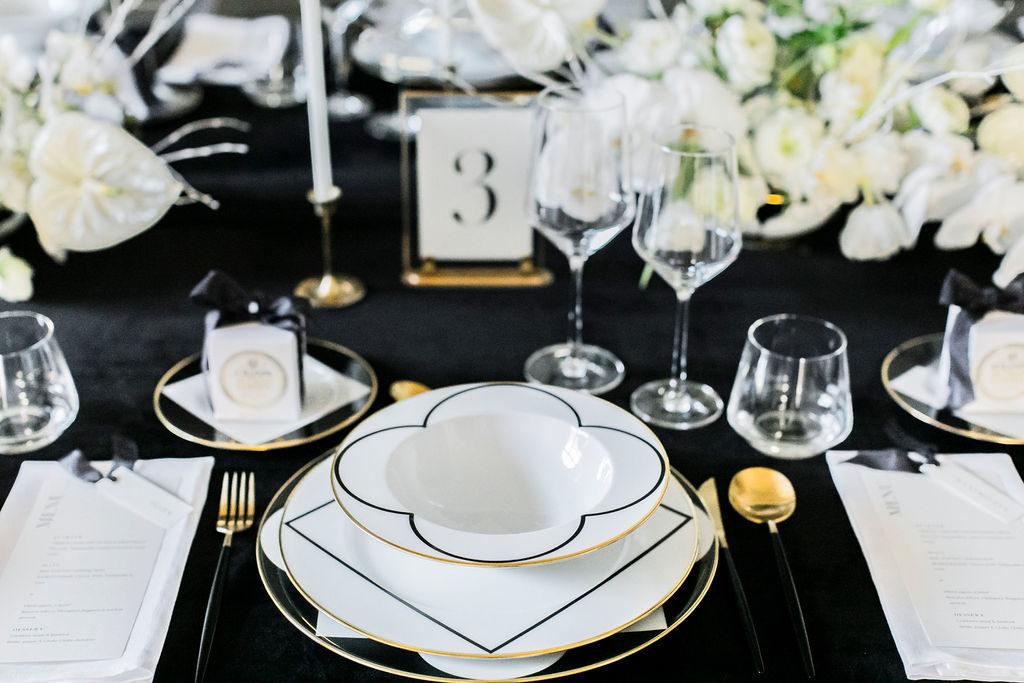 black-white-wedding-table-details-3