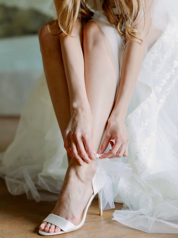 wedding shoes, bride getting ready, wedding day